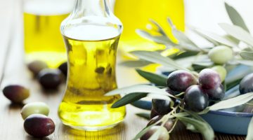 Here's An Eye-Opening Explanation Of Why People Should Never Cook With Olive Oil