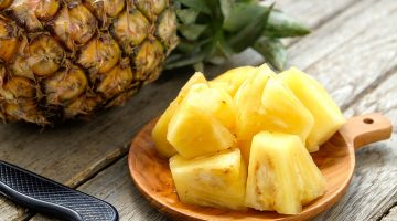 6 Mind–Blowing Pieces Of Evidence That Explain Why You Should Never Eat Pineapples