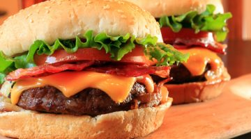 6 Frightening Reasons Eating A Hamburger Could Be More Deadly Than You May Think