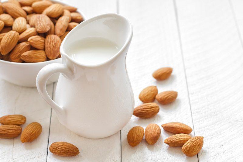 almond-milk1